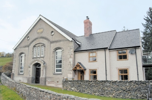 Snaptrip - Last minute cottages - Gorgeous Corwen And The Berwyn Mountains Cottage S22001 -