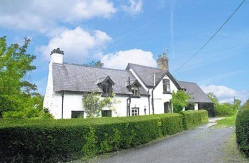 Snaptrip - Last minute cottages - Attractive Llangollen Cottage S22023 -