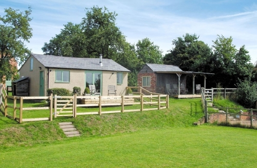 Snaptrip - Last minute cottages - Luxury Llangollen Cottage S22037 -