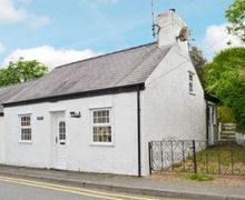 Snaptrip - Last minute cottages - Beautiful Amlwch And North Anglesey Heritage Coast Cottage S22042 -