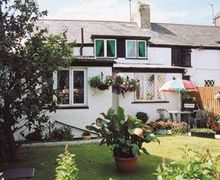 Snaptrip - Last minute cottages - Charming Holyhead And Treaddur Bay Cottage S22072 -