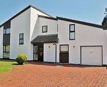 Snaptrip - Last minute cottages - Luxury Holyhead And Treaddur Bay Cottage S22073 -