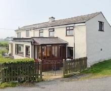 Snaptrip - Last minute cottages - Quaint Holyhead And Treaddur Bay Cottage S22077 -