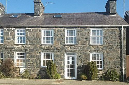 Snaptrip - Last minute cottages - Beautiful Abersoch Cottage S22117 -