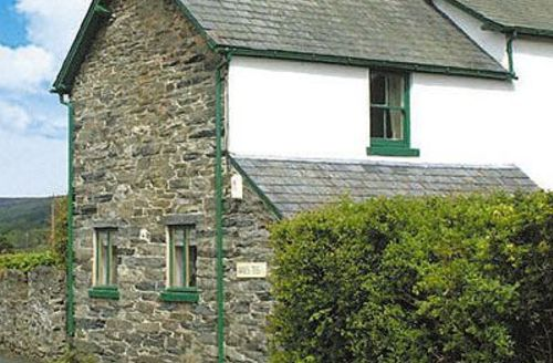 Snaptrip - Last minute cottages - Attractive Bala Cottage S22132 -