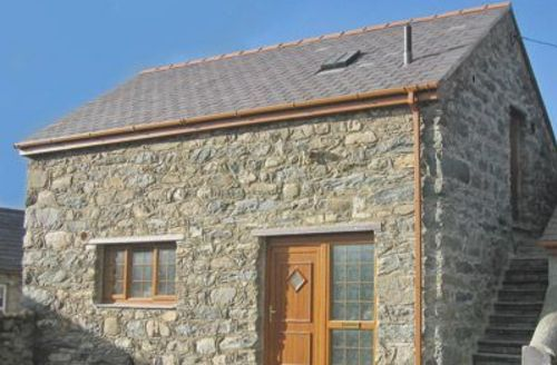 Snaptrip - Last minute cottages - Splendid Bangor Cottage S22142 -