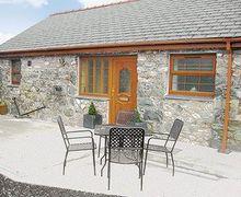 Snaptrip - Last minute cottages - Cosy Bangor Cottage S22143 -
