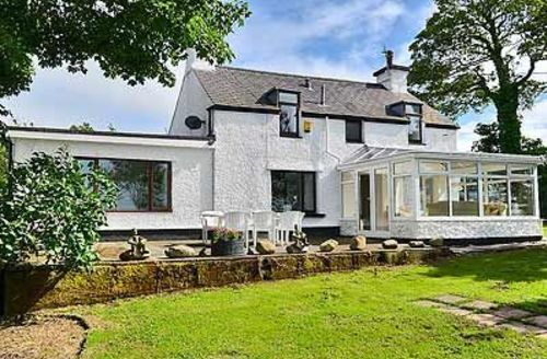 Snaptrip - Last minute cottages - Excellent Bangor Cottage S22148 -
