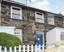 Snaptrip - Last minute cottages - Tasteful Barmouth Cottage S22164 -