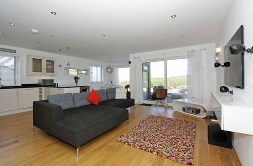 Snaptrip - Last minute cottages - Attractive Perranporth  S1849 - Living area