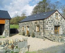 Snaptrip - Last minute cottages - Inviting Criccieth Cottage S22225 -