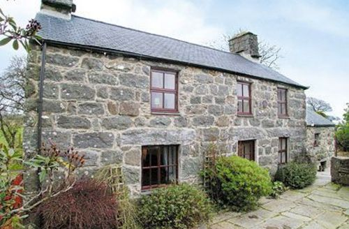 Snaptrip - Last minute cottages - Quaint Criccieth Cottage S22226 -