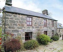 Snaptrip - Last minute cottages - Quaint Criccieth Cottage S22226 -