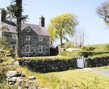 Snaptrip - Last minute cottages - Charming Criccieth Cottage S22237 -