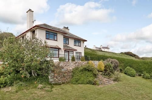 Snaptrip - Last minute cottages - Wonderful Criccieth Cottage S22249 -