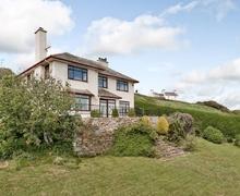 Snaptrip - Last minute cottages - Wonderful Criccieth Cottage S22249 -