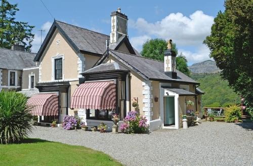 Snaptrip - Last minute cottages - Captivating Blaenau Ffestiniog Cottage S22274 -