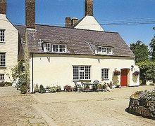 Snaptrip - Last minute cottages - Charming Tudweiliog Cottage S22321 -
