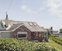 Snaptrip - Last minute cottages - Delightful Tudweiliog Cottage S22327 -
