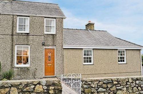 Snaptrip - Last minute cottages - Superb Tudweiliog Cottage S22328 -