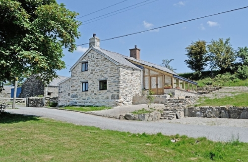 Snaptrip - Last minute cottages - Lovely Betws Y Coed Cottage S22360 -