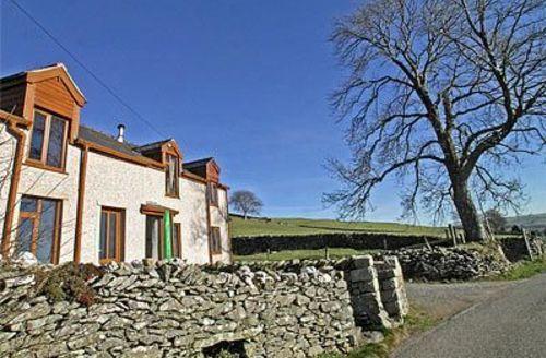 Snaptrip - Last minute cottages - Splendid Betws Y Coed Cottage S22370 -