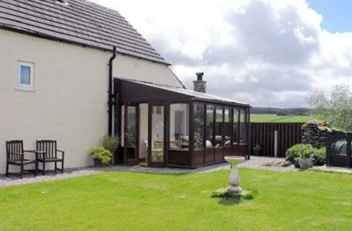 Snaptrip - Last minute cottages - Captivating Betws Y Coed Cottage S22371 -