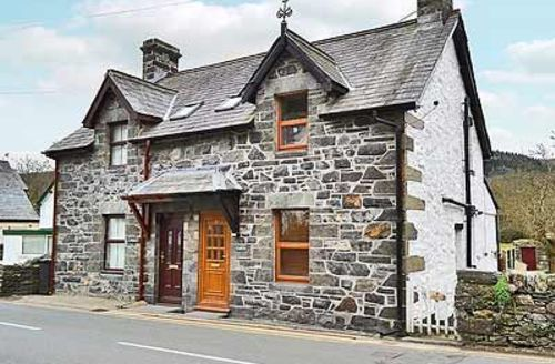 Snaptrip - Last minute cottages - Exquisite Betws Y Coed Cottage S22384 -