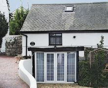 Snaptrip - Last minute cottages - Attractive Colwyn Bay Cottage S22388 -