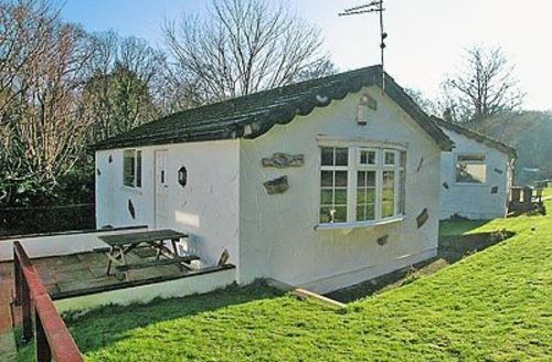 Snaptrip - Last minute cottages - Splendid Colwyn Bay Cottage S22397 -
