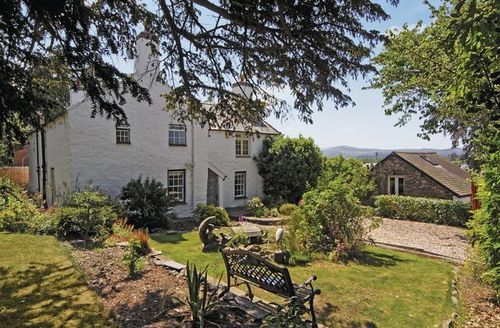 Snaptrip - Last minute cottages - Attractive Colwyn Bay Cottage S22399 -