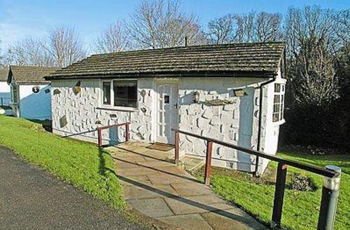 Snaptrip - Last minute cottages - Tasteful Colwyn Bay Cottage S22401 -