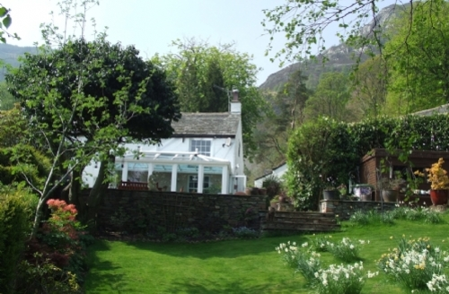 Snaptrip - Last minute cottages - Cosy Keswick Cottage S386 - Heron Cottage, External, Lakes Cottage Holidays