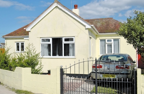 Snaptrip - Last minute cottages - Superb Colwyn Bay Cottage S22413 -