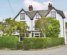 Snaptrip - Last minute cottages - Charming Colwyn Bay Cottage S22420 -