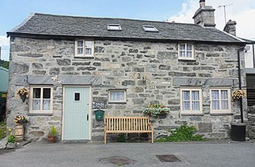 Snaptrip - Last minute cottages - Wonderful Dolwyddelan And Penmachno Cottage S22464 -