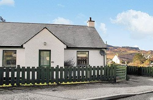 Snaptrip - Last minute cottages - Luxury Portree Cottage S22478 -