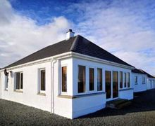 Snaptrip - Holiday cottages - Lovely Portree Cottage S22489 -