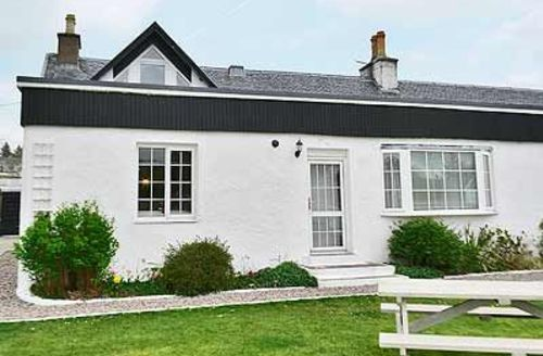 Snaptrip - Last minute cottages - Adorable Portree Apartment S22511 -