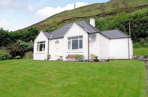 Snaptrip - Last minute cottages - Stunning Portree Cottage S22515 -
