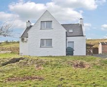 Snaptrip - Last minute cottages - Cosy Portree Cottage S22519 -