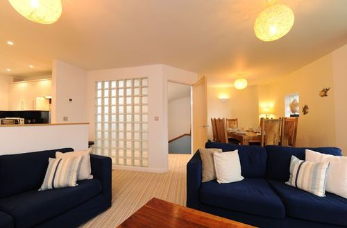 Snaptrip - Last minute cottages - Superb Bude Rental S1880 - Living area