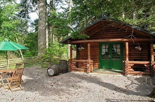 Snaptrip - Last minute cottages - Delightful Spean Bridge Lodge S22636 -