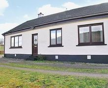 Snaptrip - Holiday cottages - Tasteful Fort Augustus Cottage S22712 -