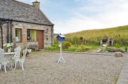 Snaptrip - Last minute cottages - Lovely Inverness Cottage S22719 -