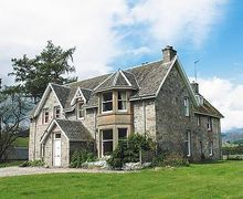 Snaptrip - Holiday cottages - Splendid Kingussie Cottage S22747 -