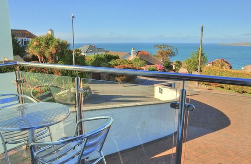 Snaptrip - Last minute cottages - Exquisite Saint Ives Rental S1891 - Balcony with stunning sea views