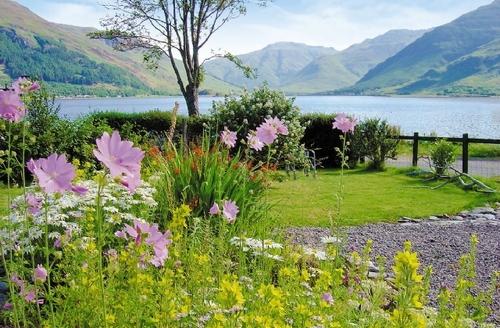 Snaptrip - Last minute cottages - Lovely Kyle Of Lochalsh Cottage S22793 -