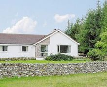 Snaptrip - Last minute cottages - Lovely Lairg Lodge S22851 -