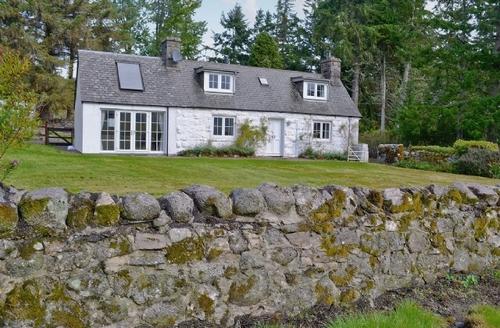 Snaptrip - Last minute cottages - Cosy Lairg Cottage S22857 -